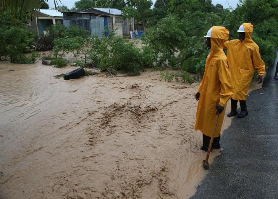 El huracán Matthew dejó muerte y destrucción a su paso. (Foto: EFE)