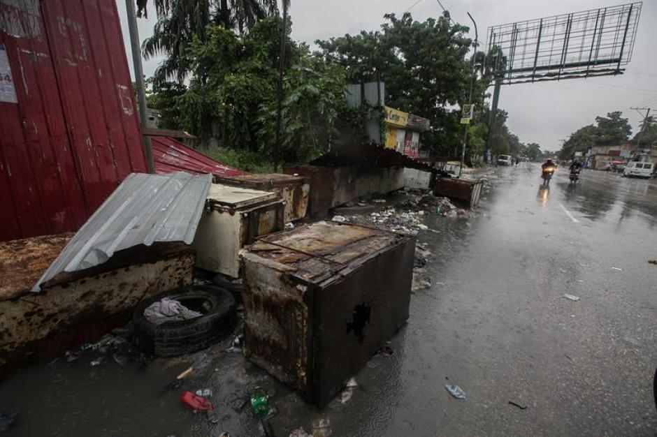 Al menos dos personas murieron en Haití por el paso del huracán. (Foto: EFE)