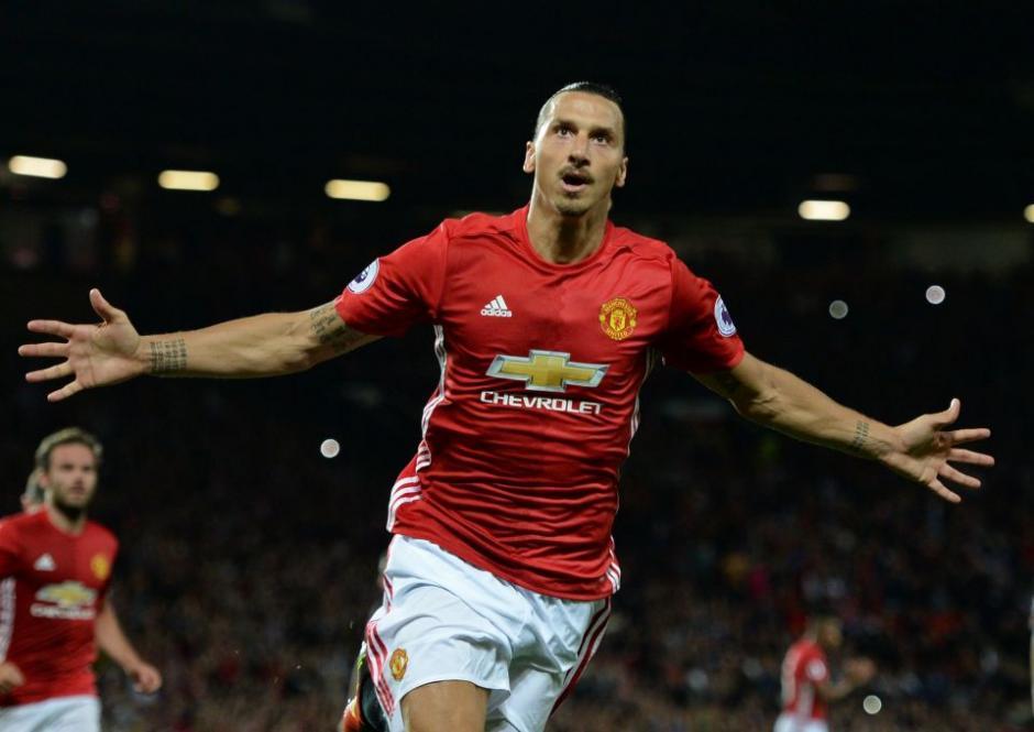 El delantero del Manchester United, Zlatan Ibrahimovic, gana 16.2 millones de dólares anuales. (Foto: thesun.co.uk)