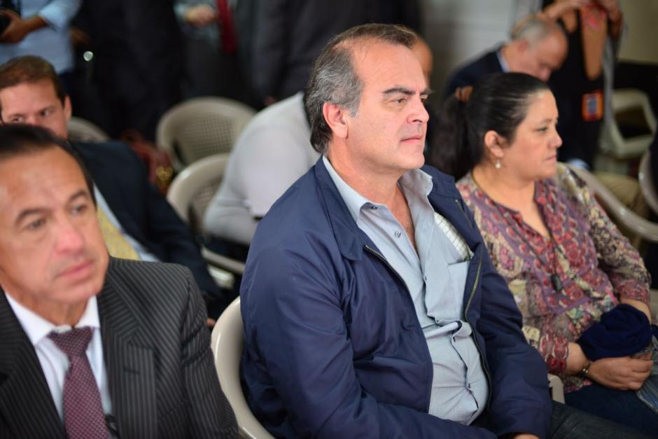 Max Quirín, exmiembro de la Junta Directiva del IGSS, también espera el inicio del juicio. (Foto: Jesús Alfonso/Soy502)