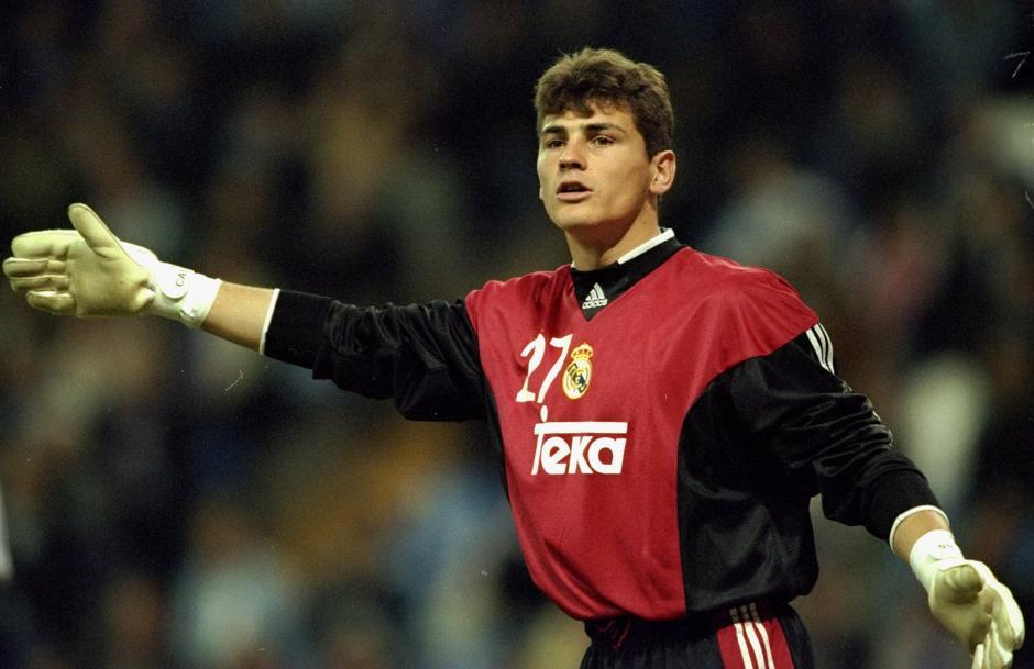 Casillas jugó 25 años con el Real Madrid y sumó 725 oficiales con el club