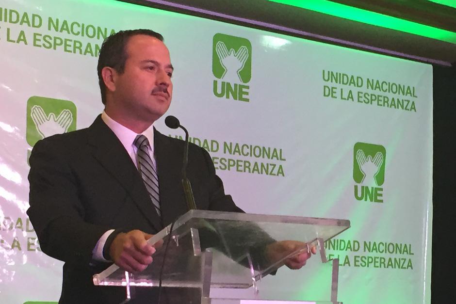Mario Leal Castillo es el candidato a la vicepresidencia por el partido UNE