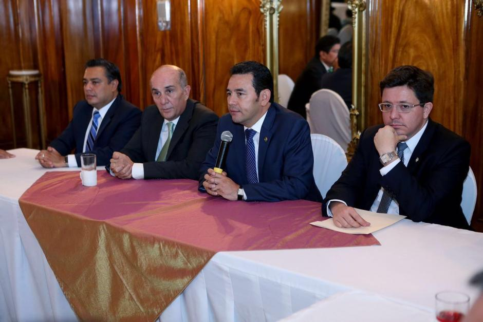 Jimmy Morales le pidió a los diputados que readecúen el presupuesto 2016. (Foto: Gobierno de Guatemala)