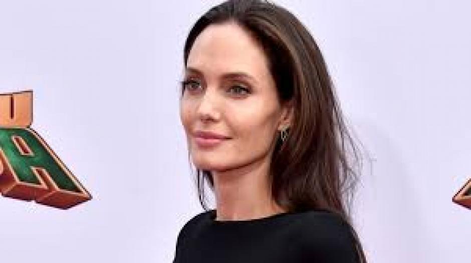 La actriz también desmintió que tenga problemas con su pareja. (Foto: etonline.con)