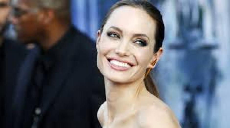 Se dijo que Angelina Jolie pesaba 35 kilos (Foto: mumslounge.com)