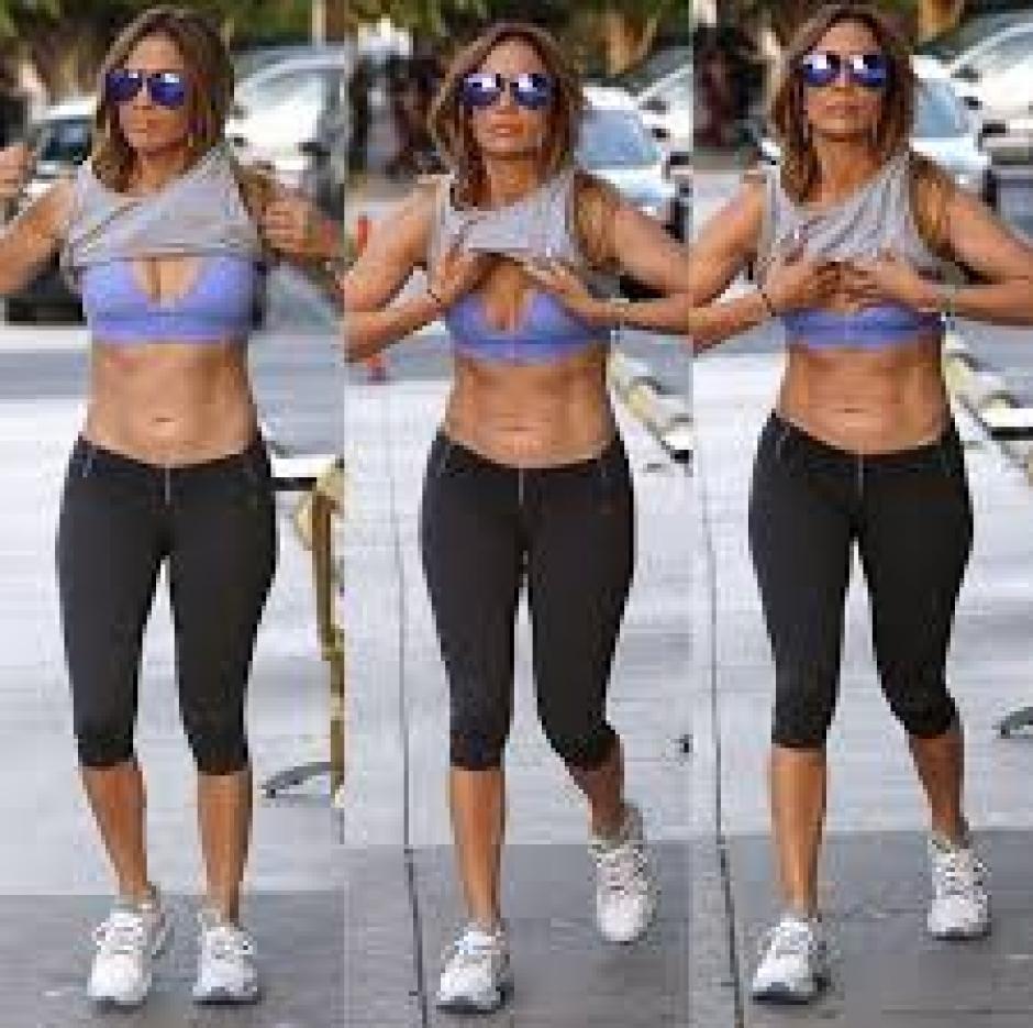 A sus 45 años, JLO, hace ejercicio y come sano.