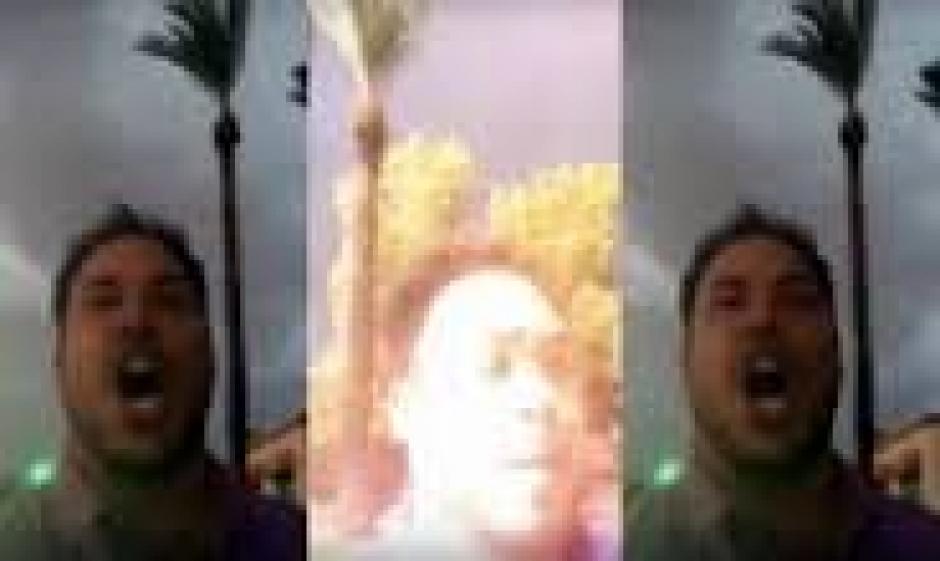 El bloguero Nick Griemsmann transmitía por Periscope. (Captura de pantalla: Storyful /YouTube)