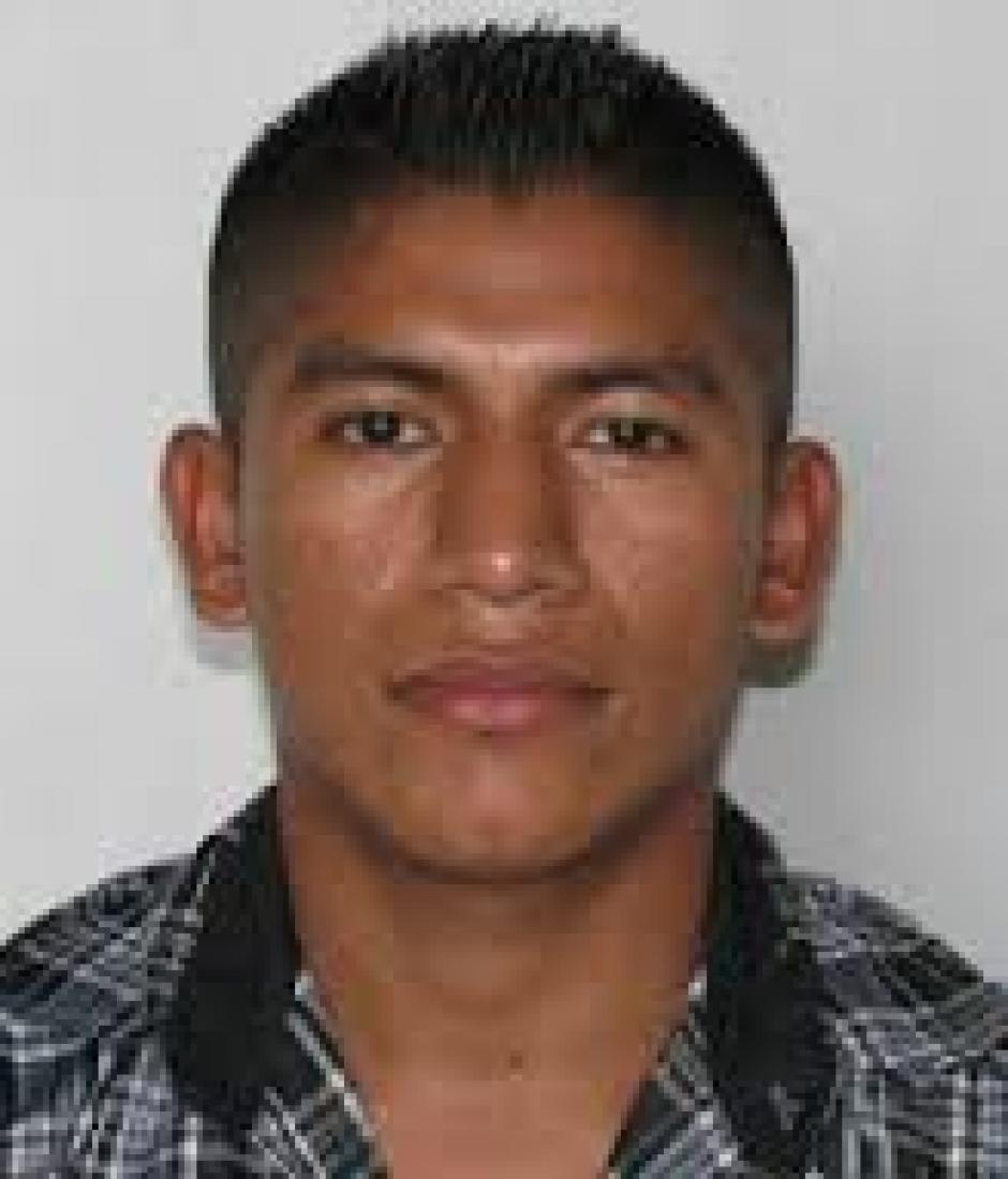 """El agente de PNC Marvin Juárez fue designado para custodiar al reo conocido como """"El Rojo"""". (Foto: Archivo)"""