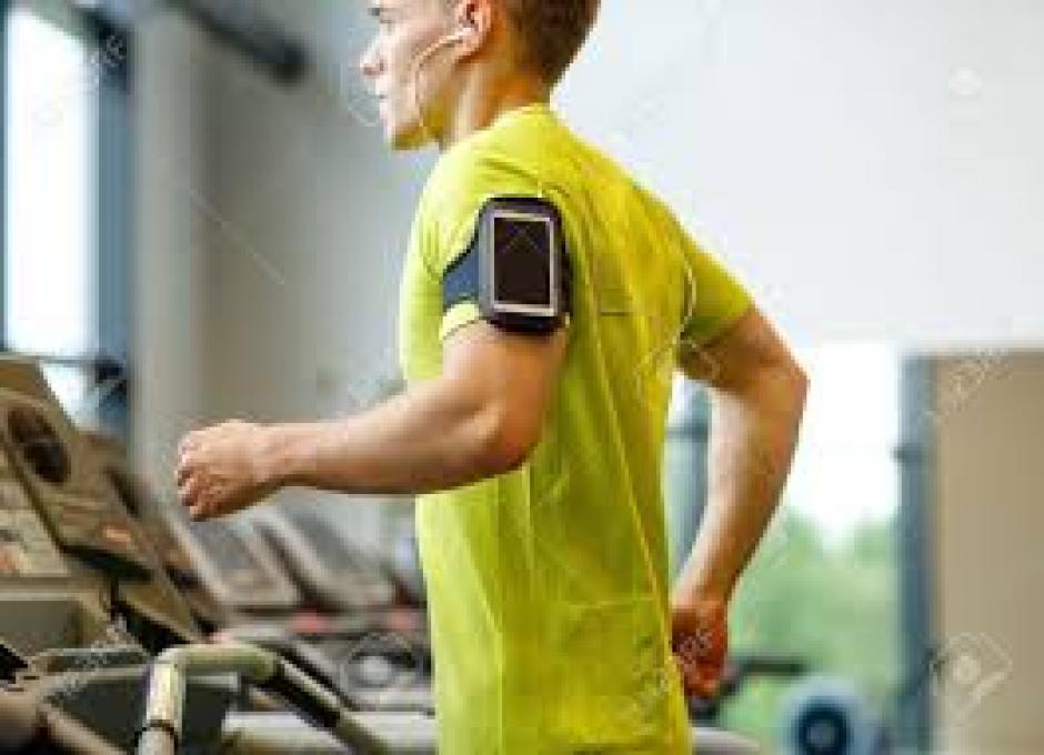 Cada día cientos de deportistas se conectan a dispositivos electrónicos para mejorar. (Foto: Archivo)