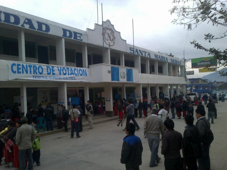Santa María Nebaj ha iniciado un día de elecciones municipales en calma.(Foto: Edgar López/ Nuestro Diario)