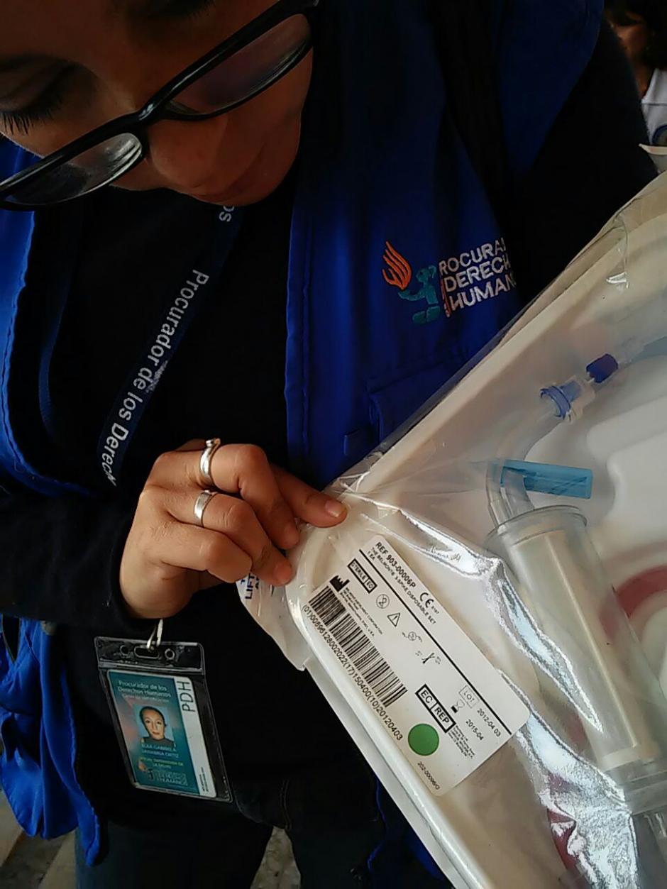 Personal de la Procuraduría de Derechos Humanos realizó una verificación sobre los medicamentos que fueron donados recientemente. (Foto: PDH)