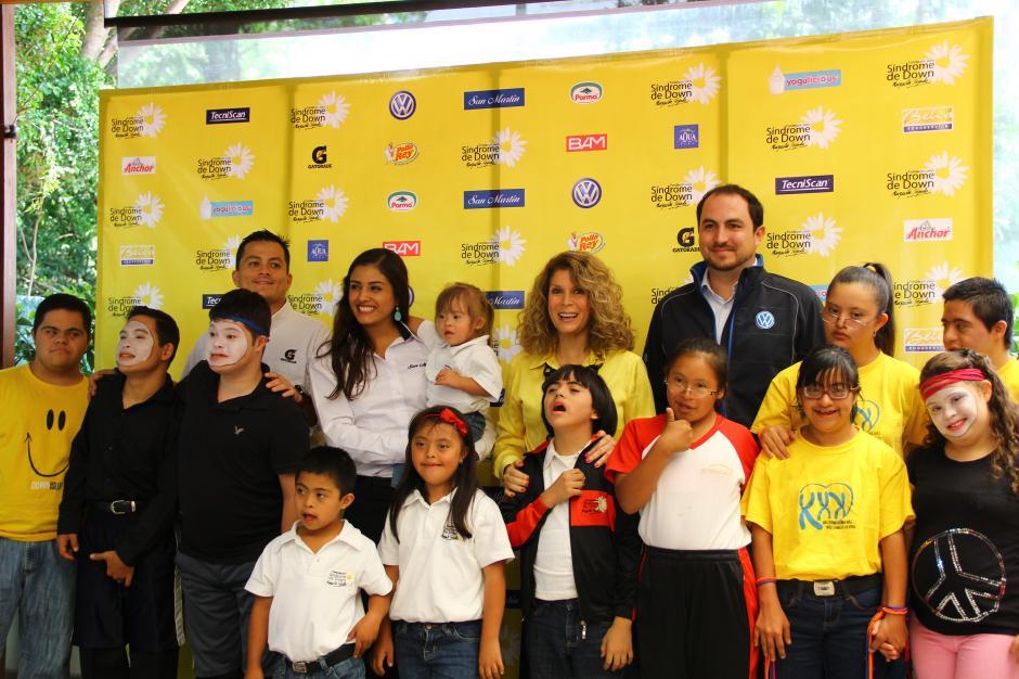 Organizadores y niños con Síndrome de Down invitan a las personas que deseen acompañarlos en la quinta Carrera de la Margarita que se realizará el 11 de octubre. (Foto: Fredy Hernández/Soy502)