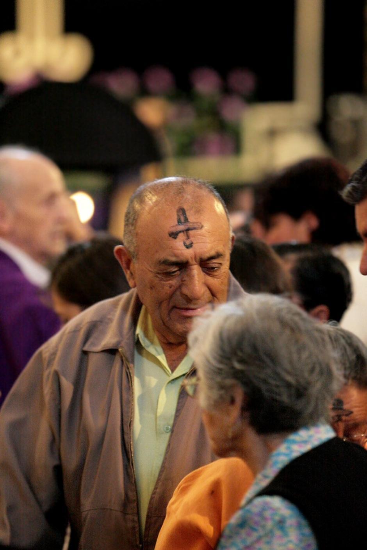 """La invitación para los católicos fue """"conviértete y cree en el evangelio"""". (Foto:Rodrigo Garrido)"""
