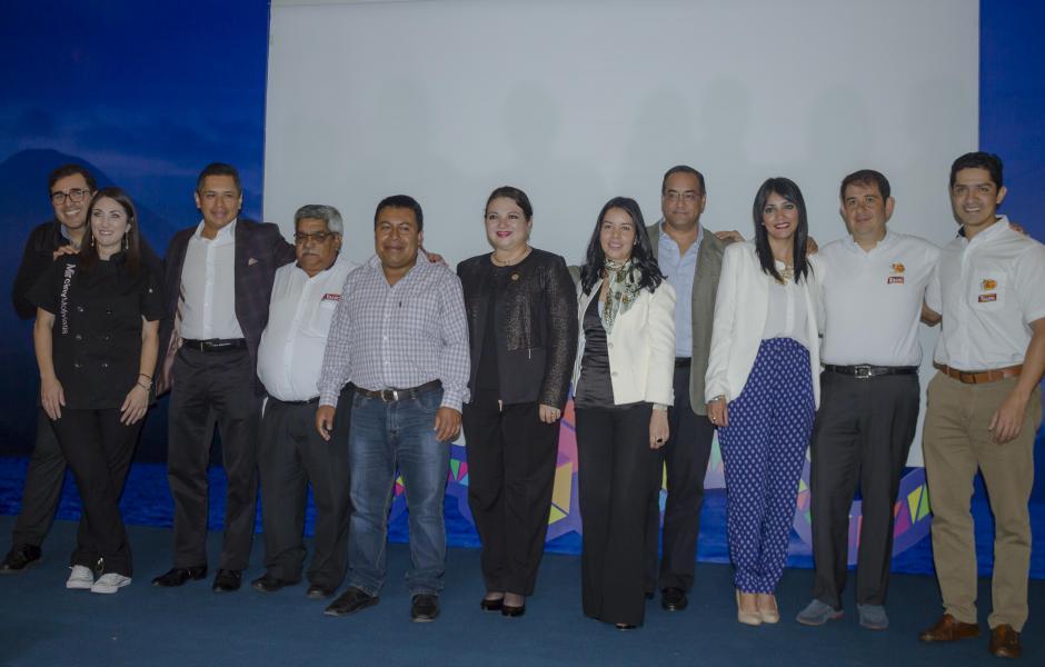 Representantes de la Corporación Multi Inversiones estuvieron presentes en la conferencia de prensa. (Foto: Soy502)