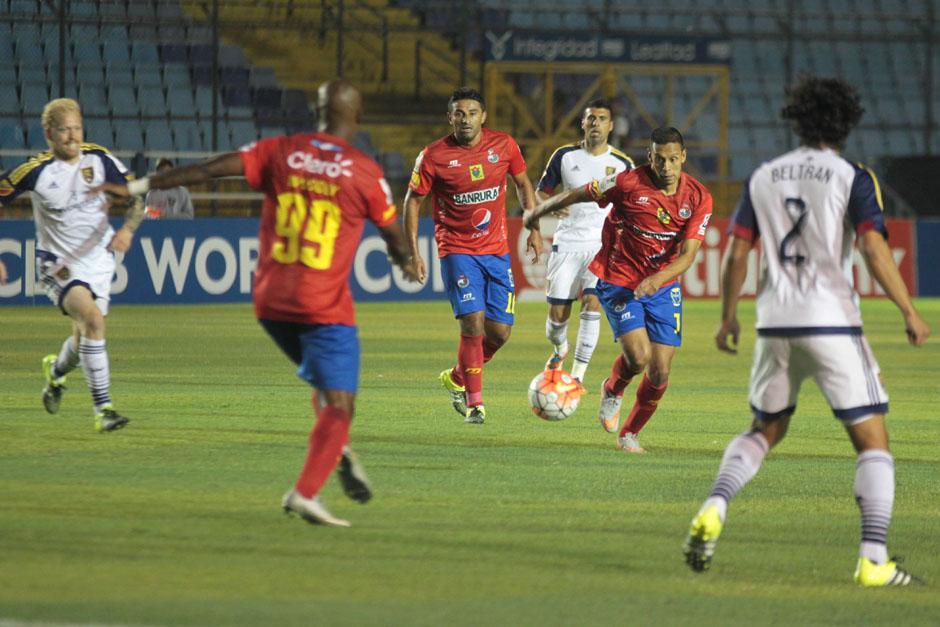 Municipal intentó conseguir el empate en el primer tiempo, pero no lo logró. (Foto: José Dávila/Soy502)