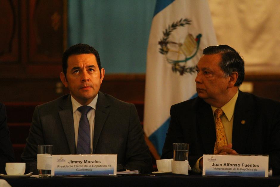 Jimmy Morales fue el invitado de honor en la reunión de la Conasan, la cual fue presidida por el vicepresidente Juan Alberto Fuentes Soria. (Foto: Alexis Batres/Soy502)