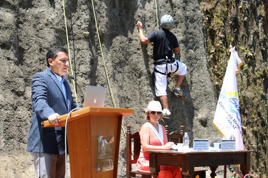 Los representantes del Inguat promueven este proyecto que busca que los guatemaltecos visiten los destinos que ofrece nuestro país. (Foto: Inguat)