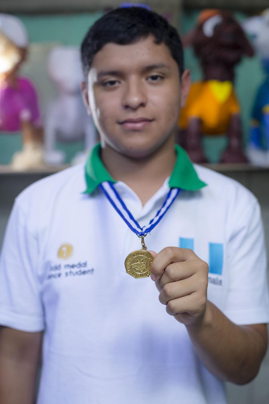 Walter tiene ahora muchos sueños y metas por cumplir, tras haber ganado las Olimpiadas Nacionales de Biología.(Foto: George Rojas/Soy502)