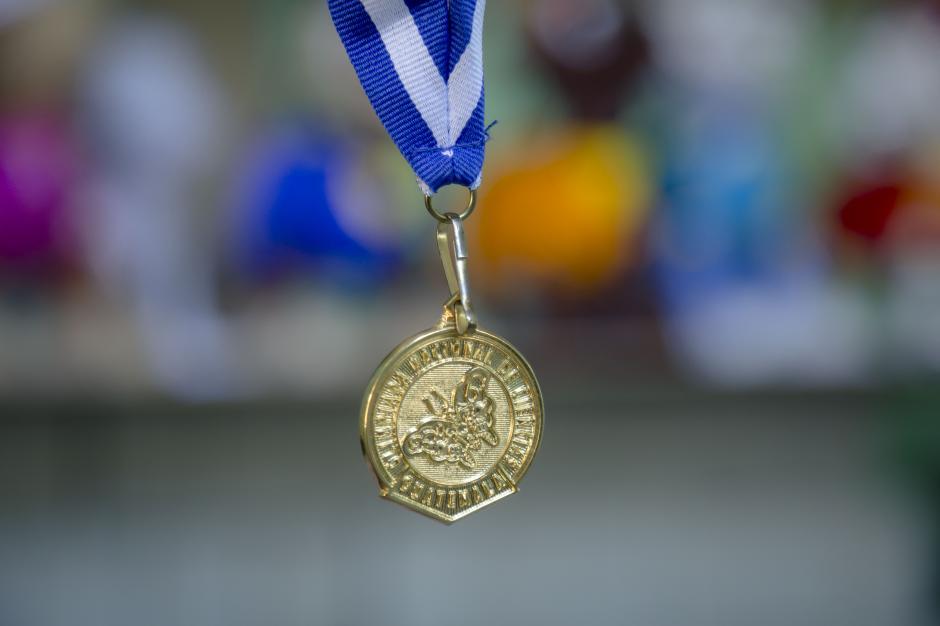Esta es la primera medalla que logra Walter Aragón, al ser el campeón nacional de las Olimpiadas de Biología. (Foto: George Rojas/Soy502)