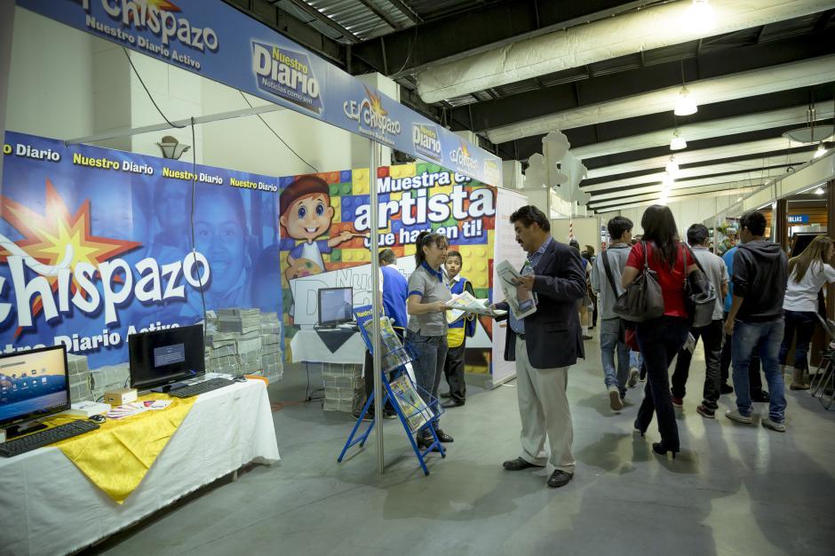 El Chispazo, a través de Nuestro Diario, cuenta con un stand en Filgua, para que sus asistentes lo conozcan y lo puedan adquirir de forma gratuita.(Foto: George Rojas/Soy502)