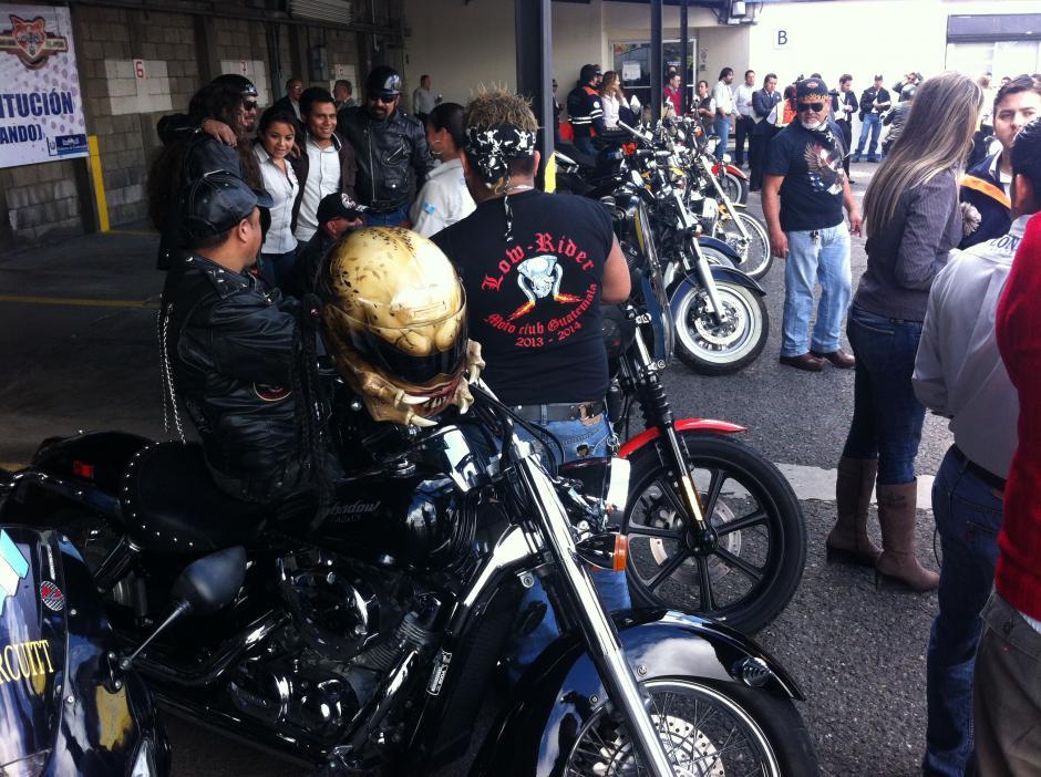 Los motoristas llevarán cascos extravagantes y se verán poderosas motocicletas. (Foto: Antonio Ordoñez/Soy502)