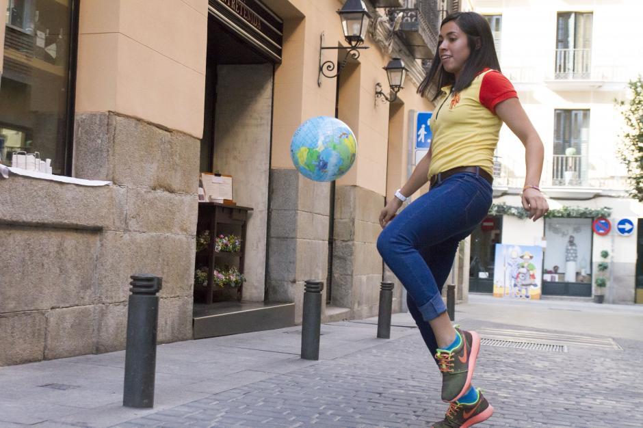 Soy502 compartió en España con Ana Lucía Martínez, y nos contó como es su vida en el Viejo Continente.(Foto: Laura Aragón)