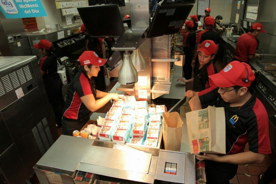 Hoy los restaurantes de la cadena no tienen horario de cierre. (Foto: George Rojas/Soy502)