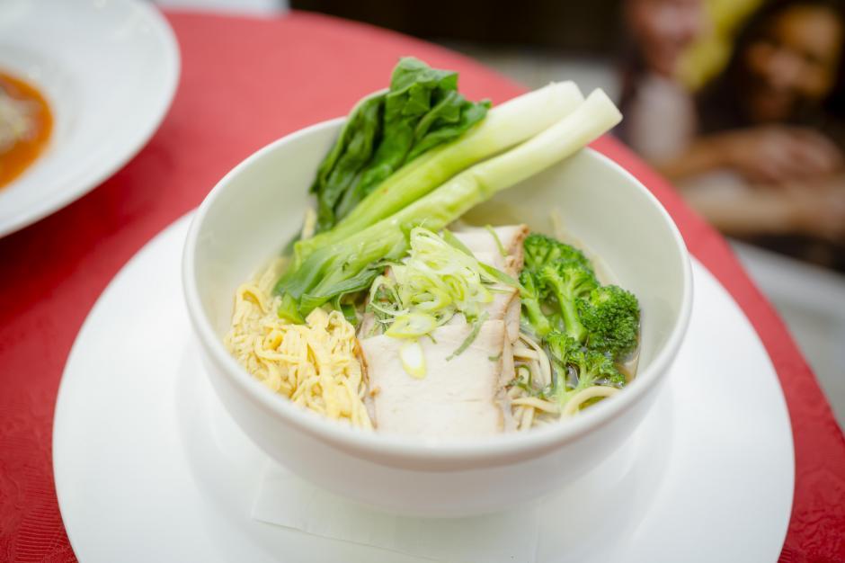 Los platillos orientales son parte del menú de RBG. (Foto: George Rojas /Soy502)