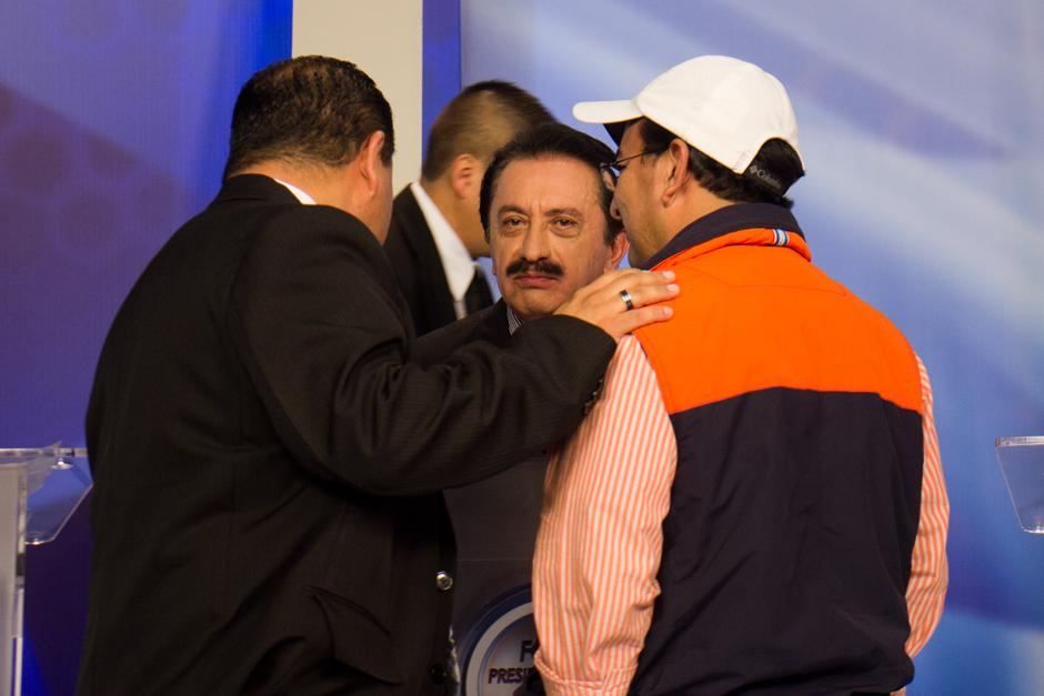 Mario David García recibió consejos de Germán Velásquez, secretario de Organización del Partido Patriota. (Foto: Alejandro Balán/Soy502)