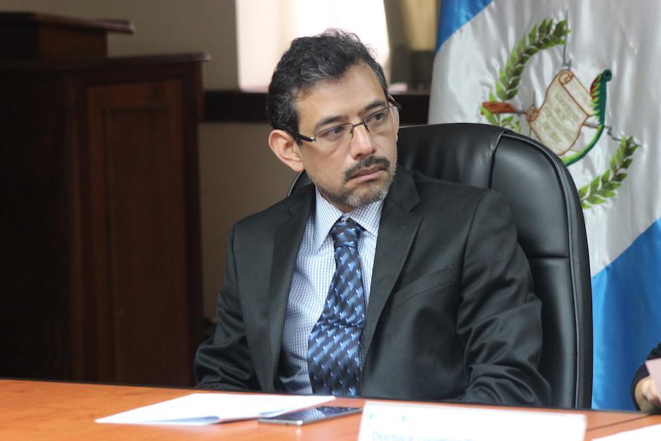 El viceministro administrativo Edgar González participó en la conferencia donde se anunció la creación de la unidad de asuntos internos.  (Foto: Alejandro Balán/Soy502)