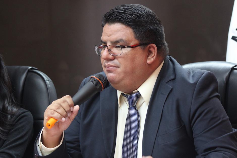El viceministro técnico Adrián Chávez entregó pormenores sobre los empleados. (Foto: Alejandro Balán/Soy502)
