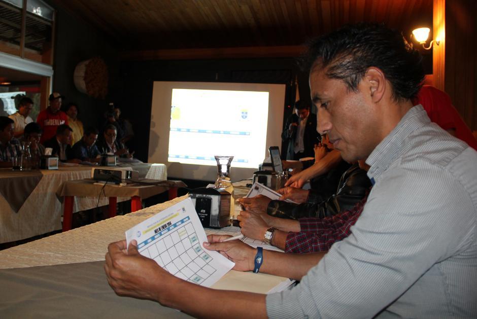 Selvyn Ponciano, gerente de Municipal, en la asamblea de clubes de la Liga Nacional. (Luis Barrios/Soy502)