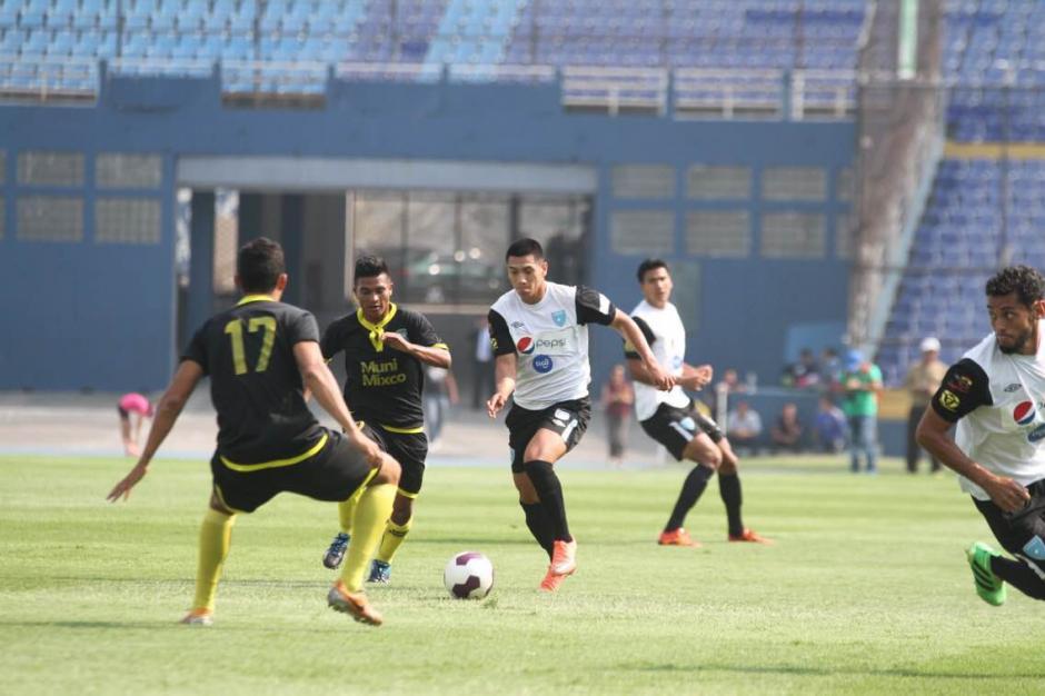 Rafael Morales fue otro de los que jugó los 90 minutos. (Foto: Luis Barrios/Soy502)