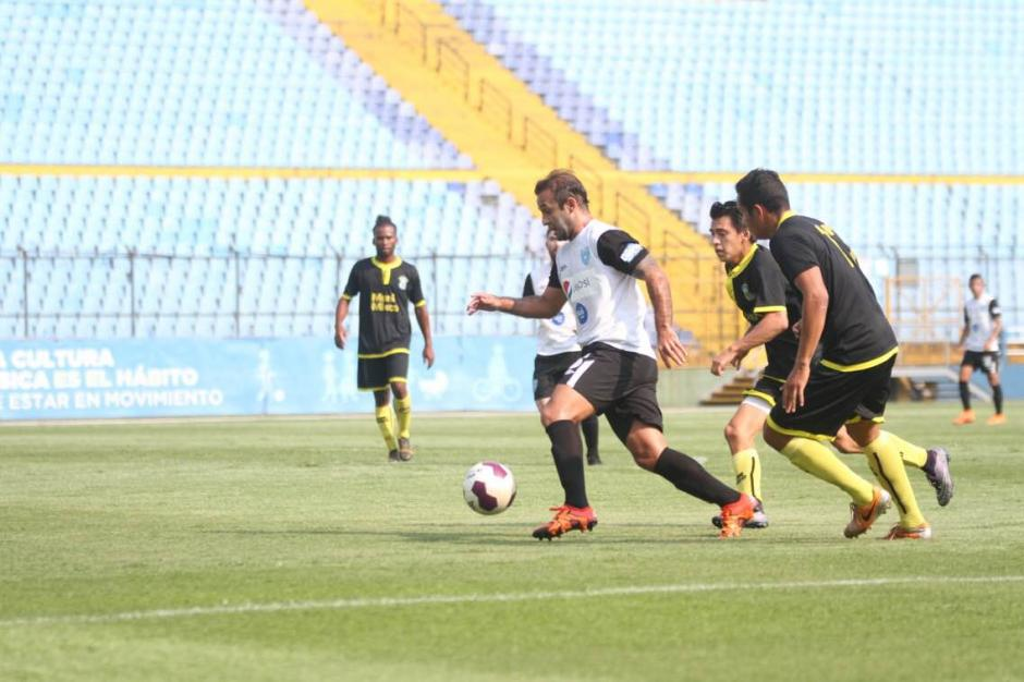 José Contreras en plena acción de juego. (Foto: Luis Barrios/Soy502)