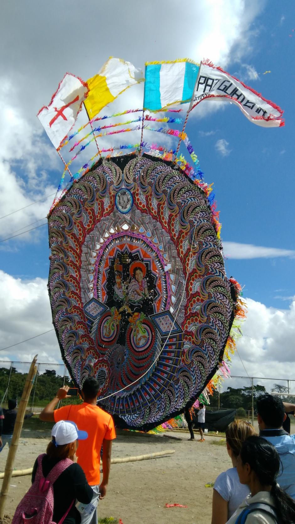 Los barriletes gigantes mostraron su grandeza en el parque Erick Barrondo. (Foto: Ministerio de Cultura y Deportes)