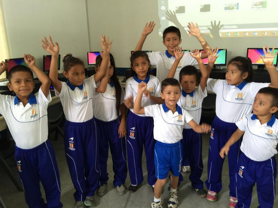 Spadd dona 210 uniformes para los alumnos de la escuela de la Fundación Adentro. (Foto: Archivo)
