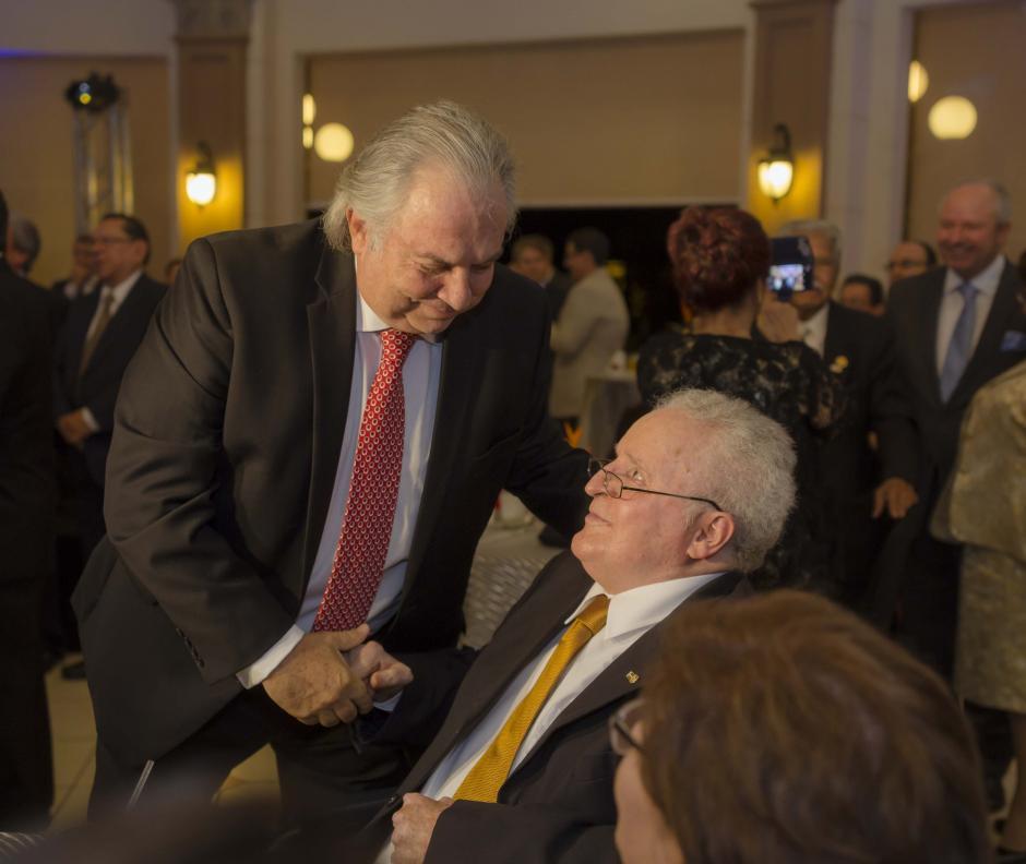 Los firmantes fueron reconocidos por importantes figuras del gremio publicitario.  (Foto: George Rojas /Soy502)