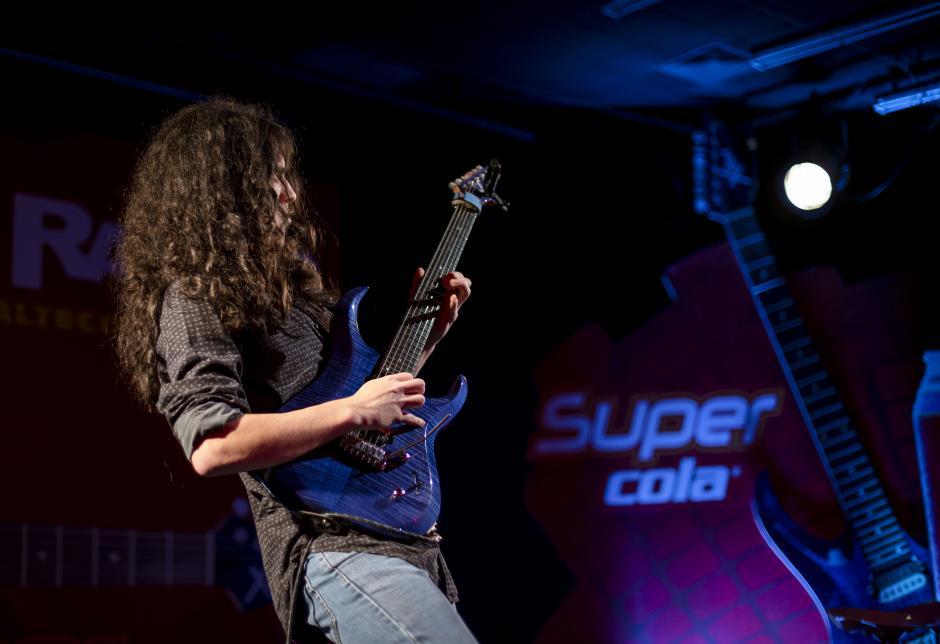 El joven talentoso es uno de los mejores guitarristas de latinoamérica.(Foto: George Rojas/Soy502)