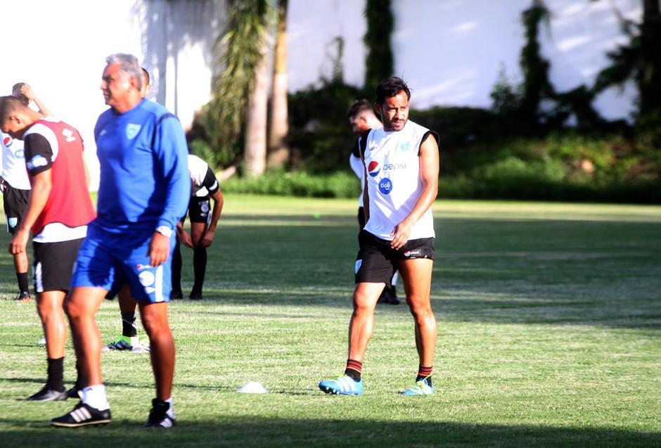 Ruiz lució un tanto nostalgico en la práctica de la Selección. (Foto: Luis Barrios/Soy502)