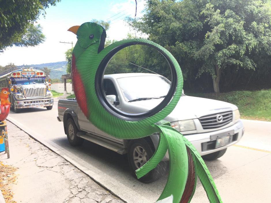 Sus productos se exhiben en la vía pública, por lo que podrás encontrarlos con facilidad. (Foto: Fredy Hernández/Soy502)