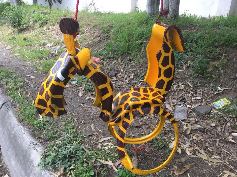 Este columpio cuesta 150 quetzales y será la sensación entre los amigos de tus hijos. (Foto: Fredy Hernández/Soy502)