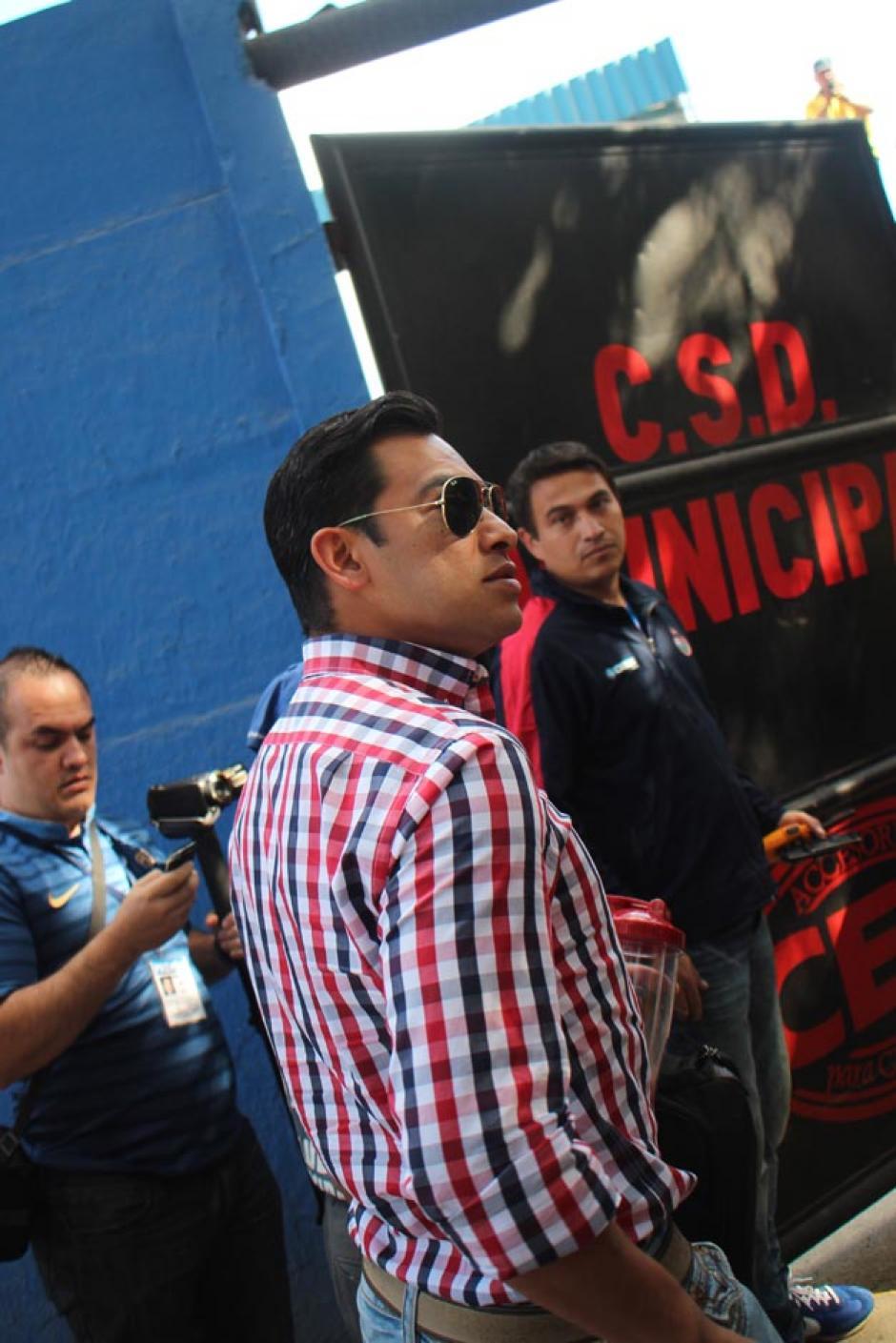 Carlos Ruiz saludó a los medios y se mostró muy contento previo al juego. (Foto: José Dávila/Soy502)