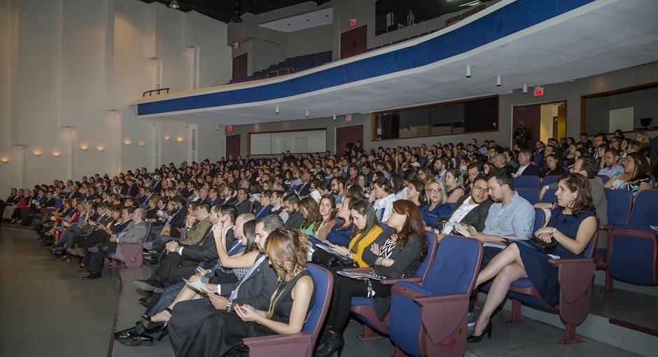 El auditorio Juan Bautista Gutiérrez de la UFM se llenó con la asistencia de representantes de agencias publicitarias y reconocidas marcas del país.(Foto: George Rojas/Soy502)