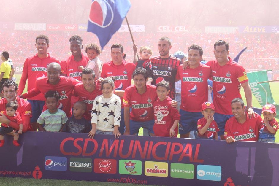 Este es el once titular histórico el cual marcó el regreso de Carlos Humberto Ruiz a Municipal. (Foto: José Dávila/Soy502)