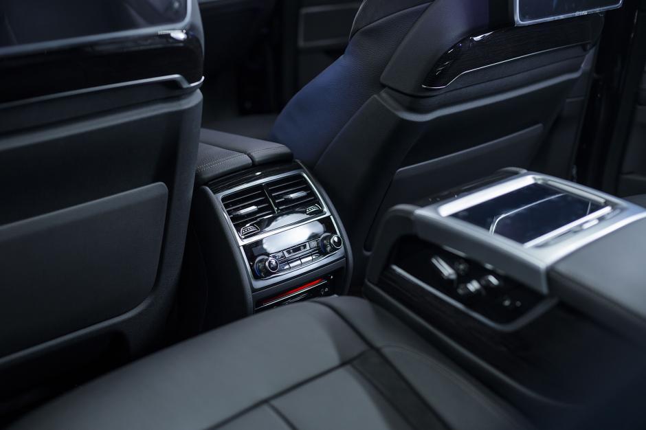 El habitáculo del vehículo es espacioso, lujoso y cómodo desde cualquier lugar. (Foto: George Rojas /Soy502)