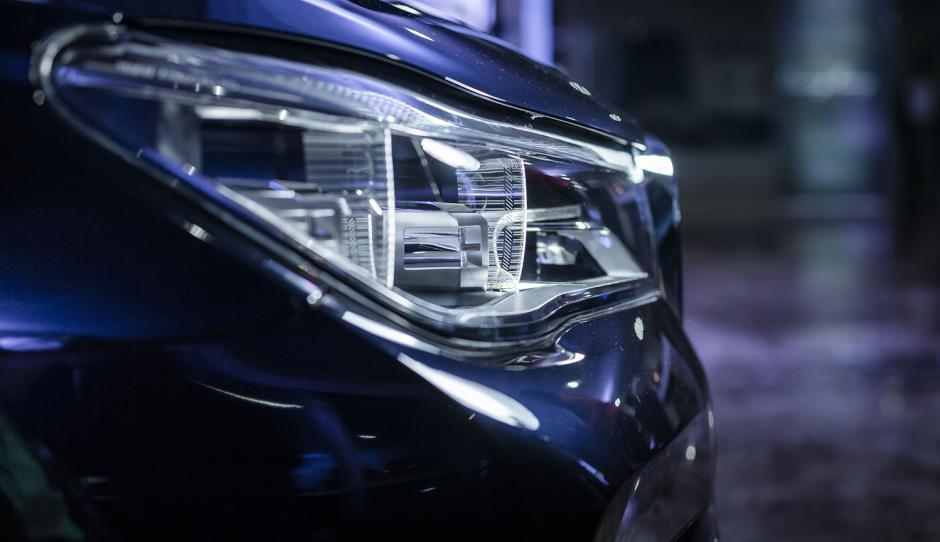 Las nuevos faros láser iluminan el doble de los faros LED. (Foto: George Rojas /Soy502)