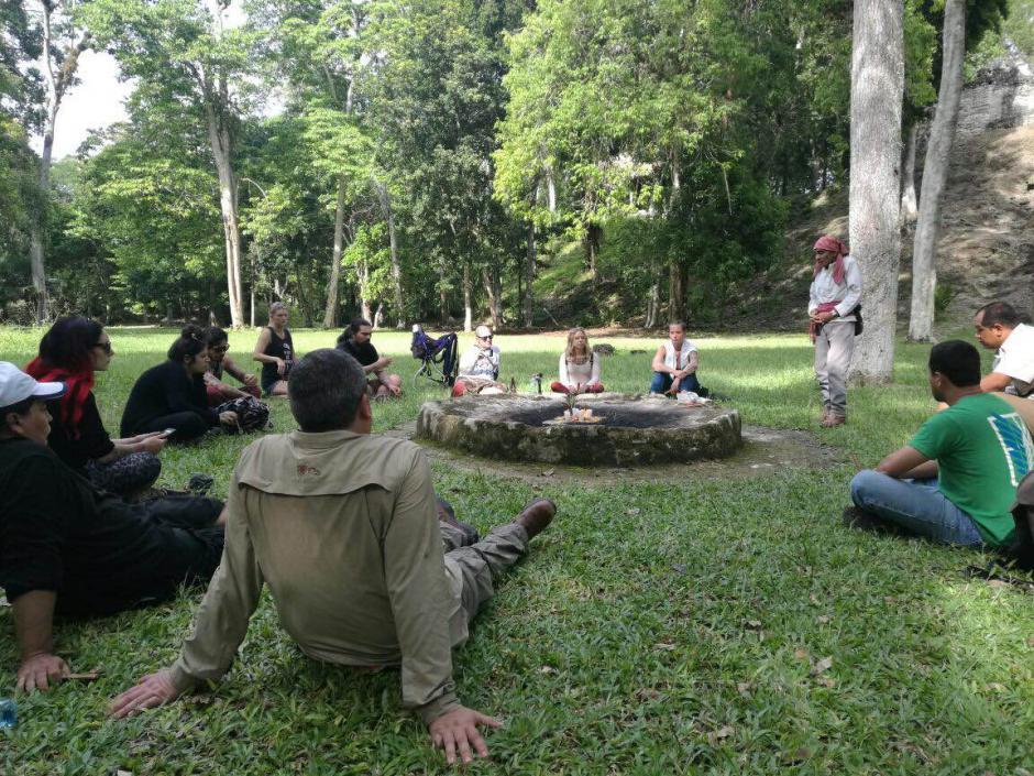 Incluso pudieron disfrutar de un ritual maya. (Foto: Inguat)