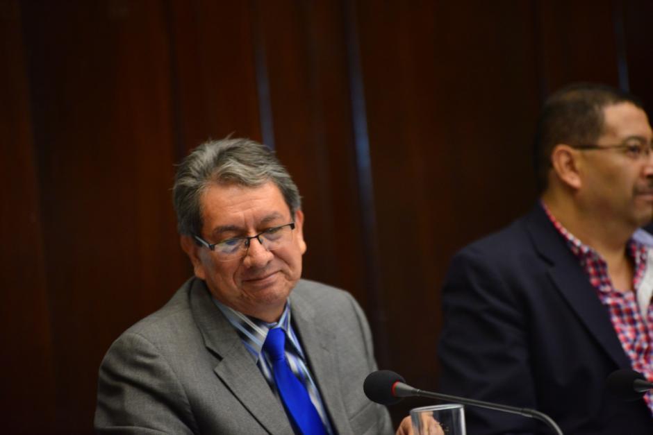 Mario Linares, presidente de la Pesquisidora y diputado del PP, reacciona cuando escucha la mención de Otto Pérez Molina. (Foto: Jesús Alfonso/Soy502)
