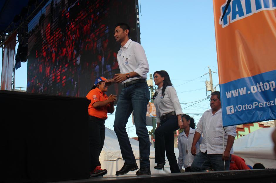El alcalde de Mixco Otto Pérez Leal realizó su cierre de campaña el pasado domingo; el evento contó con varios artistas invitados. (Foto: Alejandro Balán/Soy502)