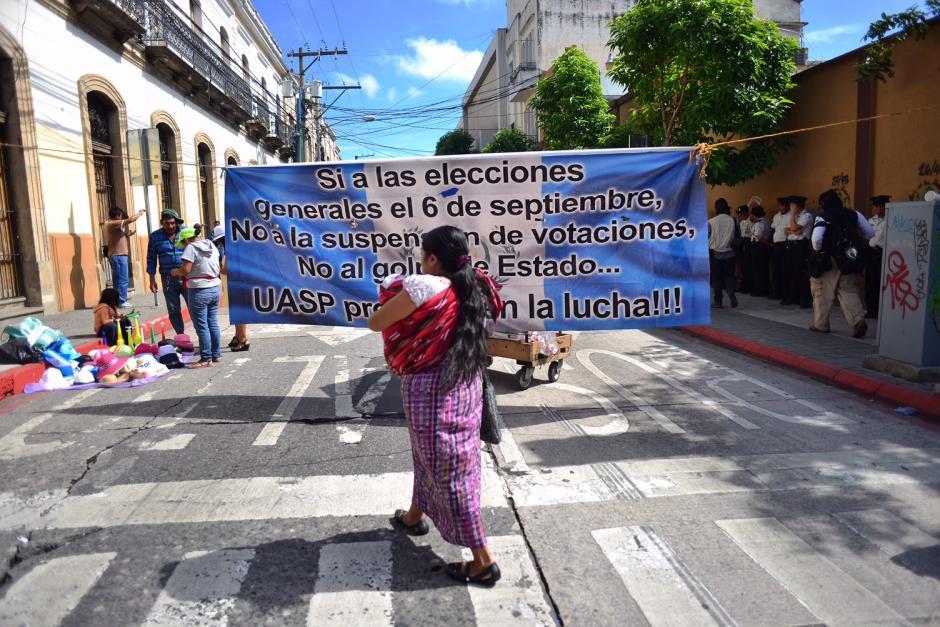 Los protestantes llegaron con sus hijos porque no querían dejarlos solos. (Foto: Jesús Alfonso/Soy502)
